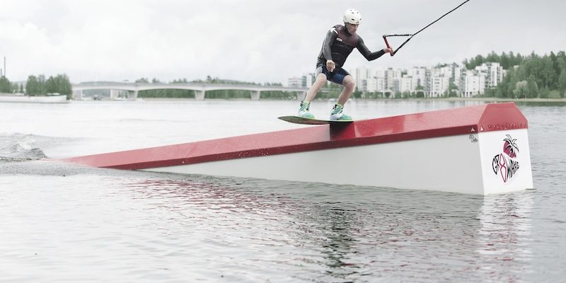 wakestation_wake-obstacles_wake-features_cable-system_two-tower_2-0_wakeboarding_wake_cable-wake_3d-incline_01