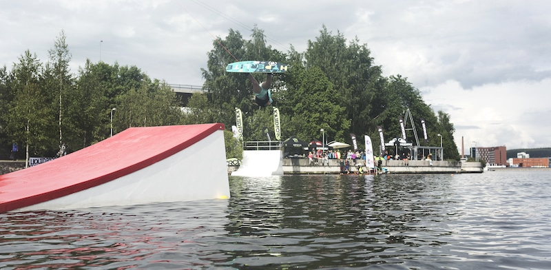 wakestation_wake-obstacles_wake-features_cable-system_two-tower_2-0_wakeboarding_wake_cable-wake_kicker_08